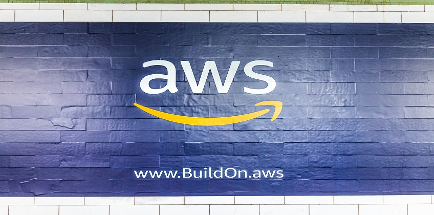 Amazon cloud computing services